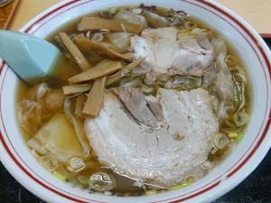 新月 ワンタン麺